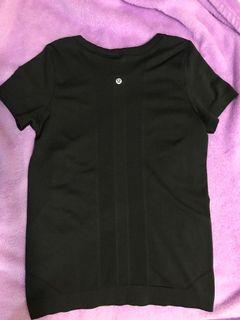 Lululemon shirt size 2