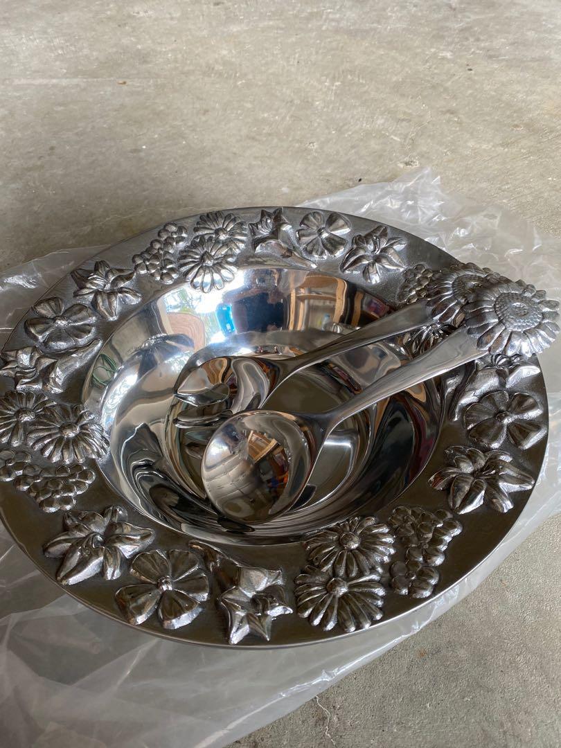 Mariposa bowl and tongs