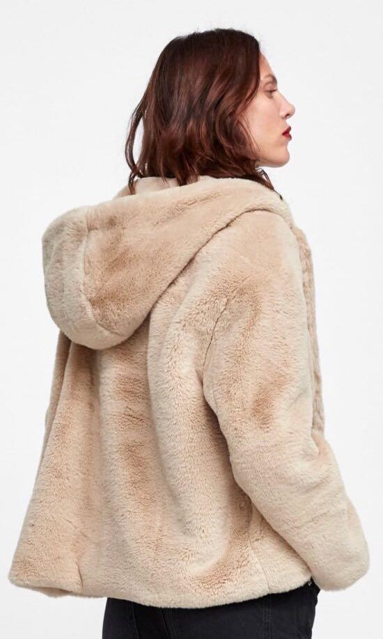 REDUCED!!!!!!!!Cozy Zara faux fur Ecru hooded jacket(size Large)(Large is not too big...fits Med-Large)....looks better larger :-)