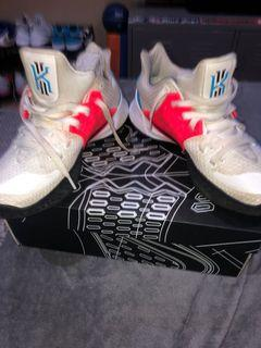 Used a bit Kyrie Irving shoes