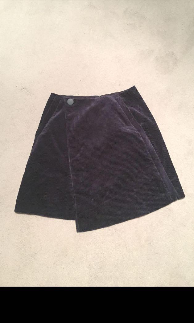BNWT Corduroy Wrap Skirt (00-Navy)