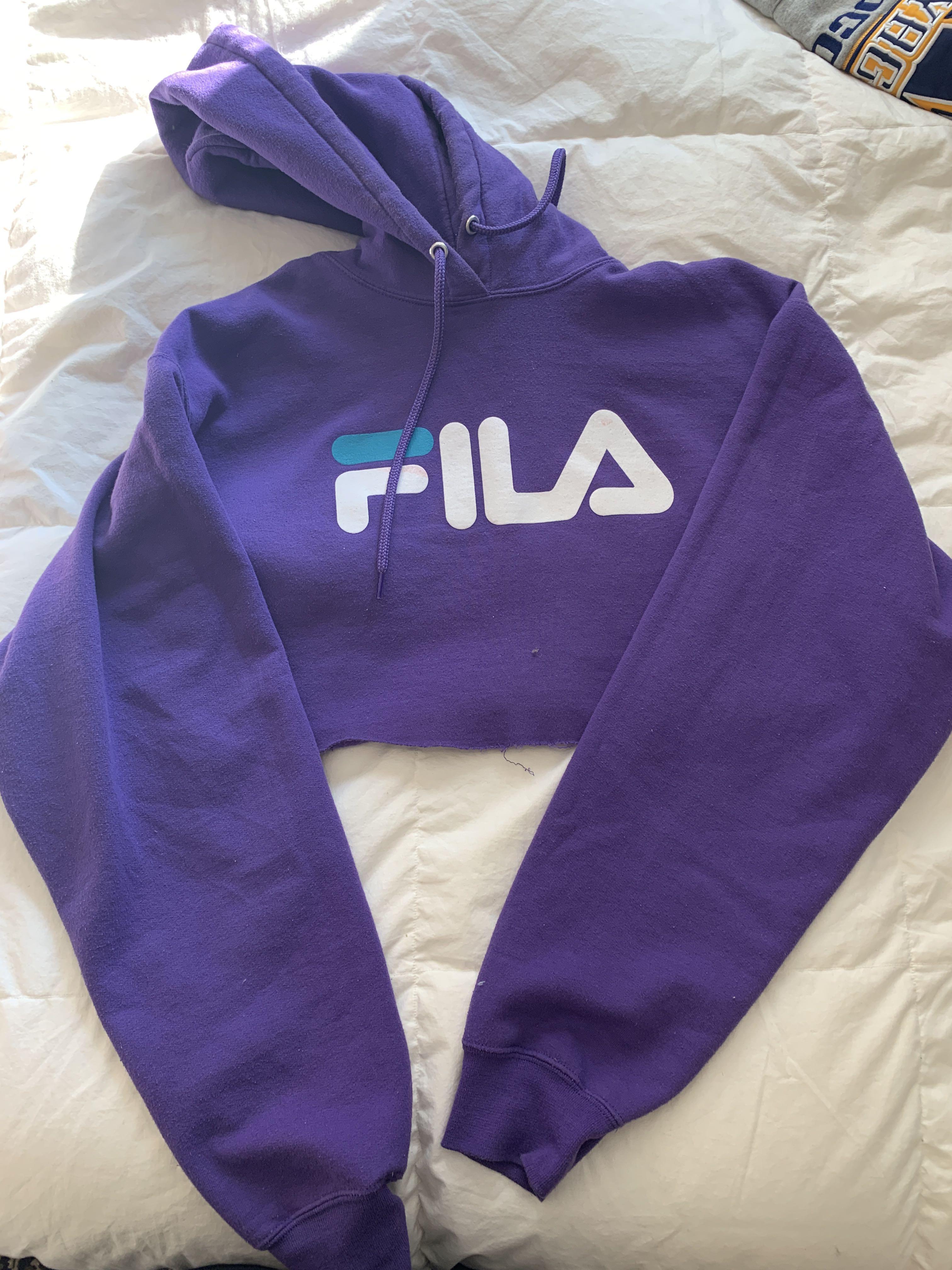 Cropped FILA sweater