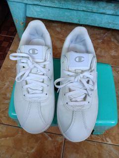 Sepatu Champion full white