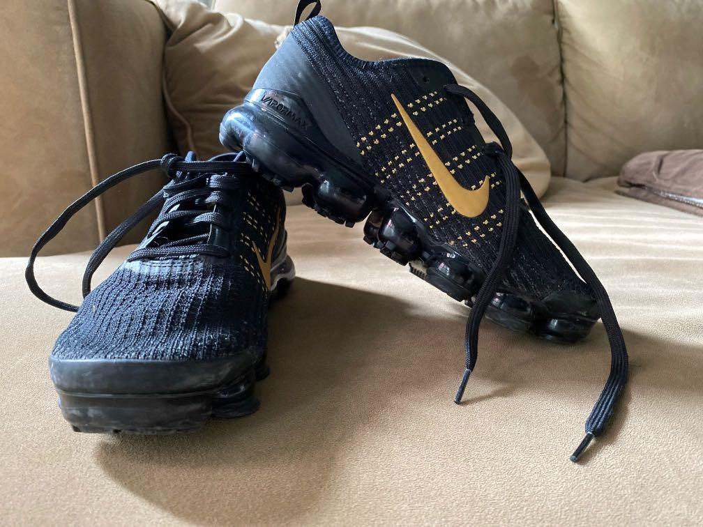 Vapormax (black and gold)