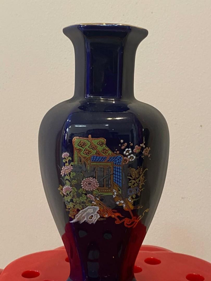 Vas bunga keramik warna biru
