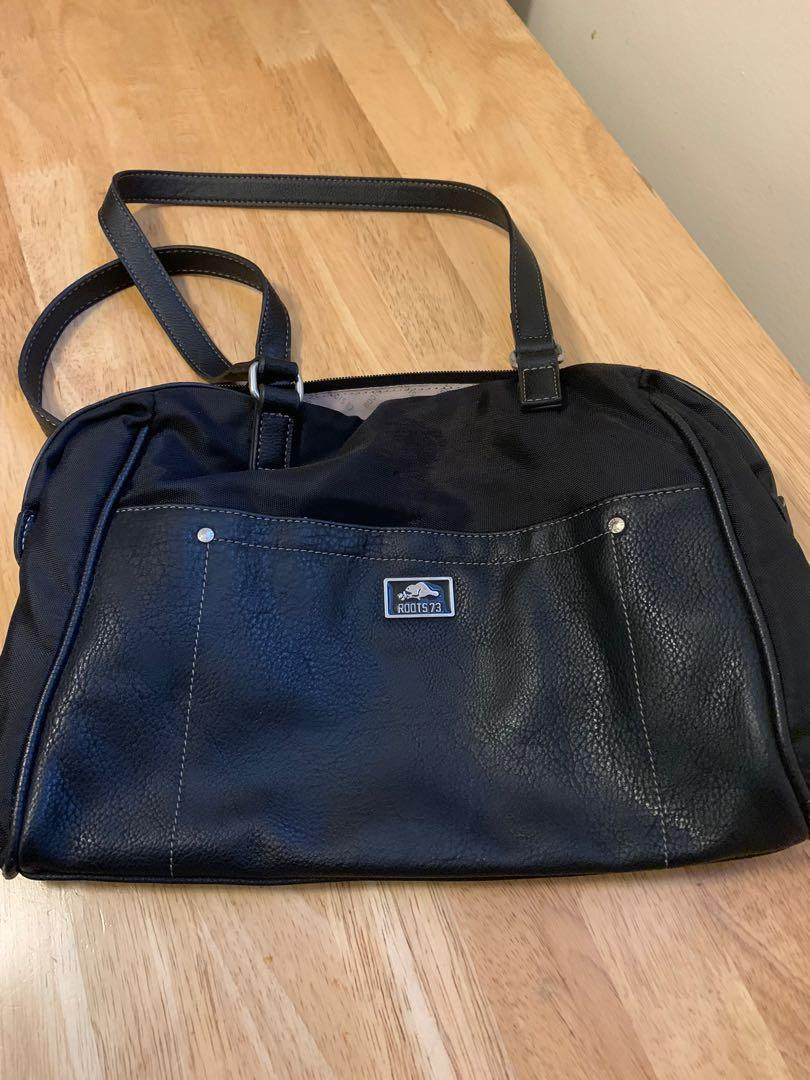 Woman's roots purse