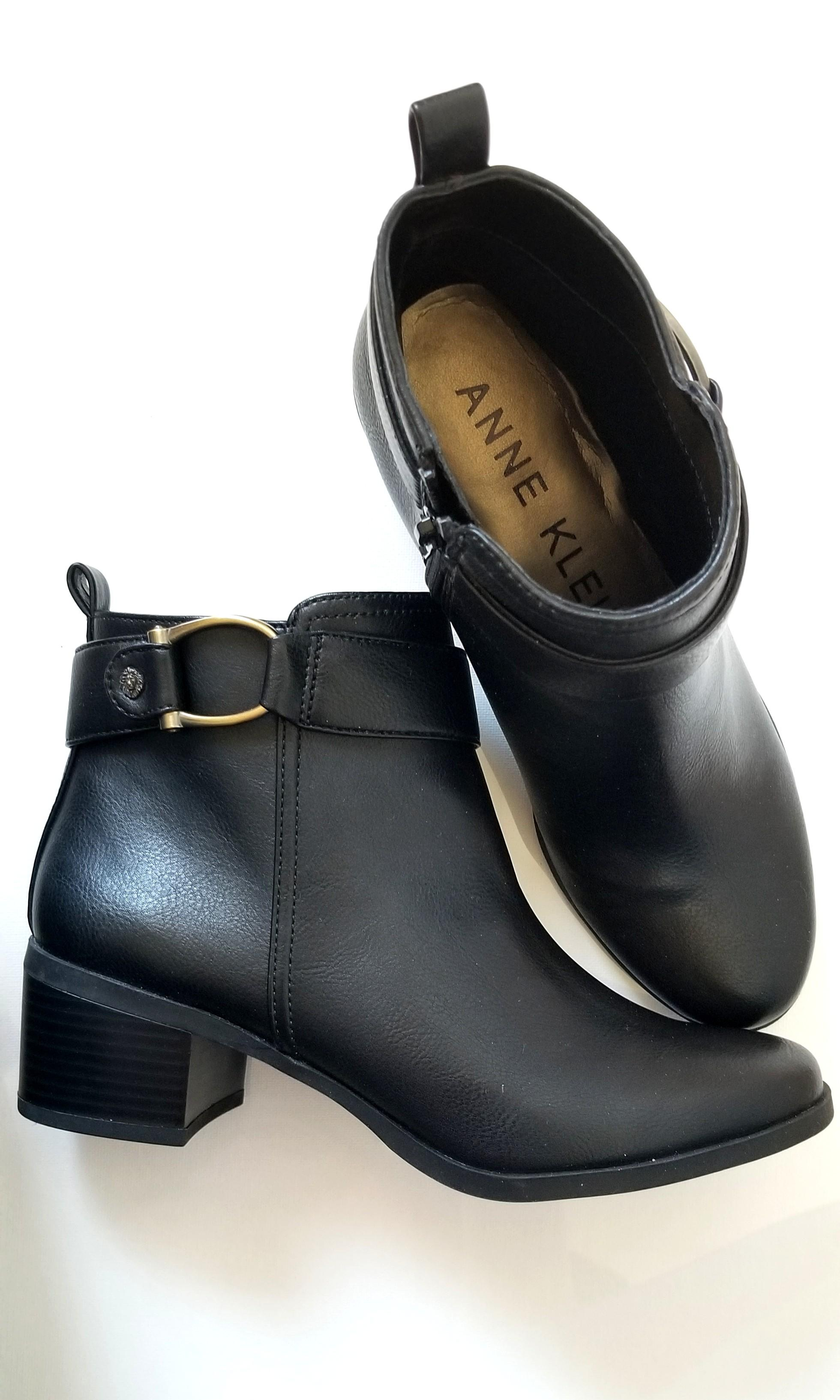 Anne Klein heeled booties size 6