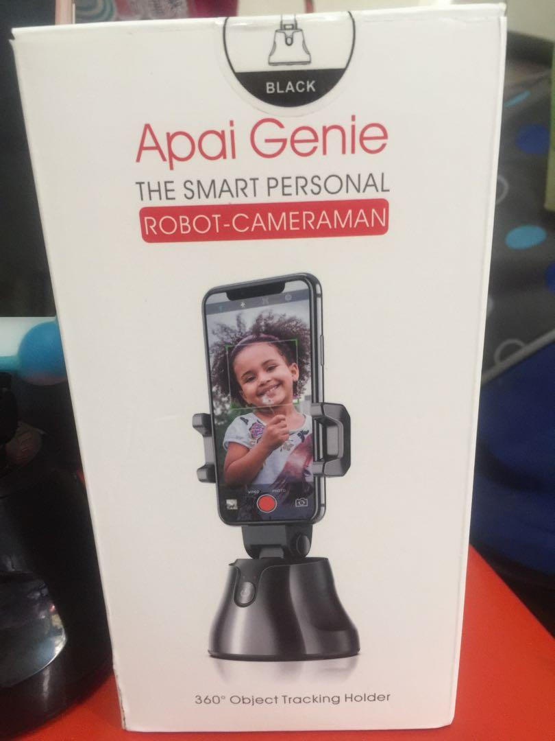 APAI GENIE THE SMART PERSONAL ROBOT CAMERAMAN
