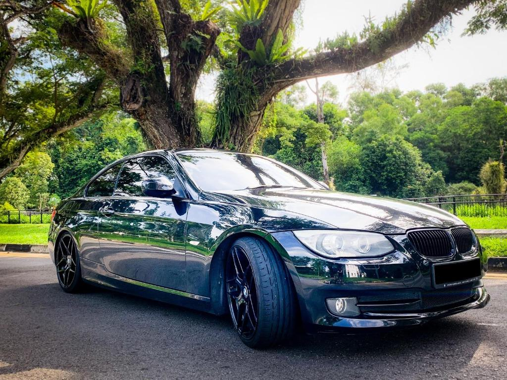 BMW 325i COUPE Auto