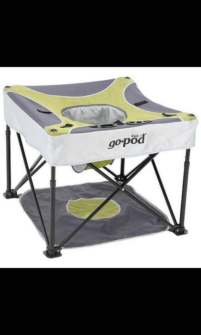 Go pod travel seat for baby/toddler with carrying case and instructions.