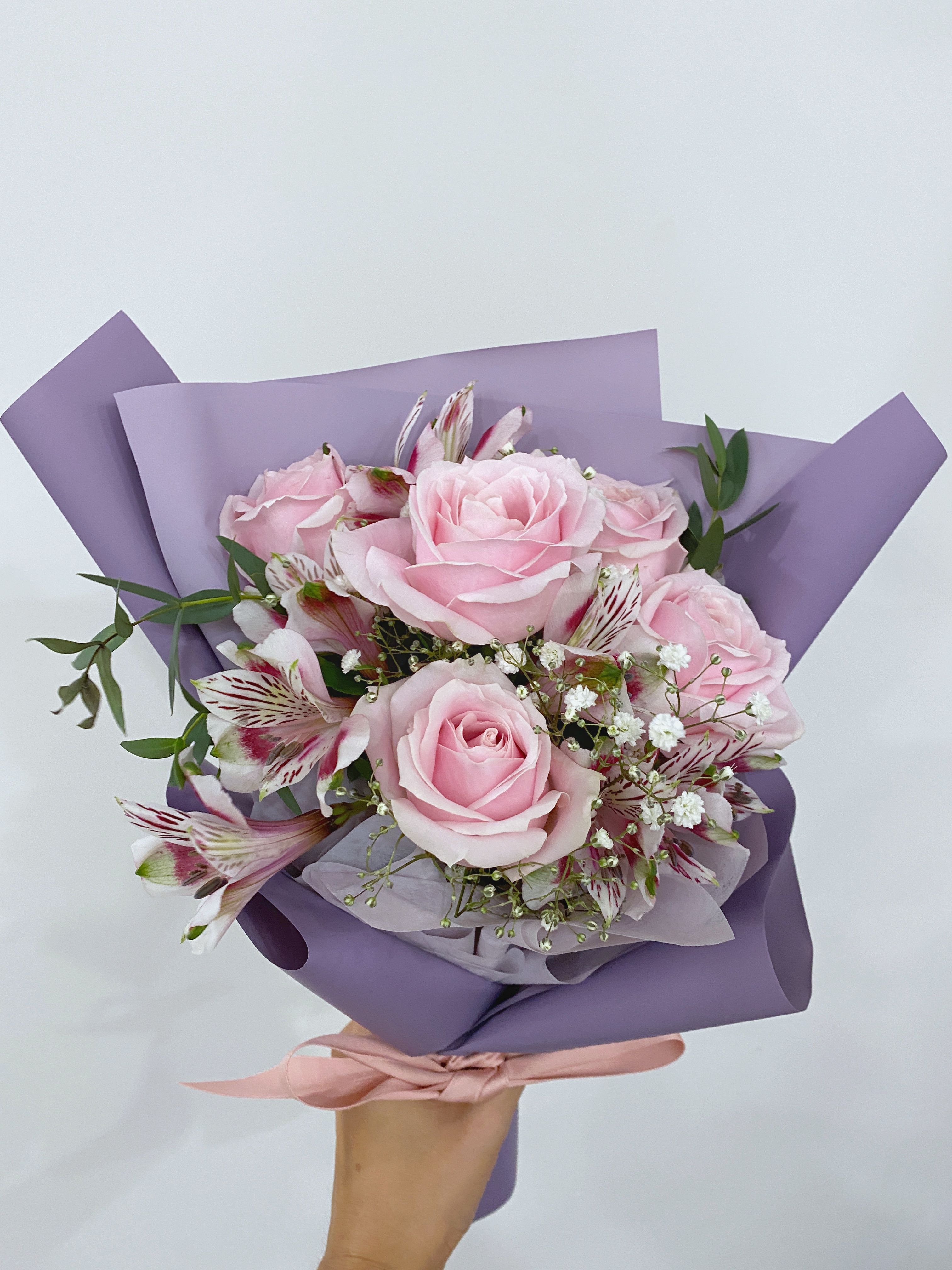 Pink Roses Fresh Flowers Bouquet Free Delivery Premium Wrapping Gardening Flowers Bouquets On Carousell
