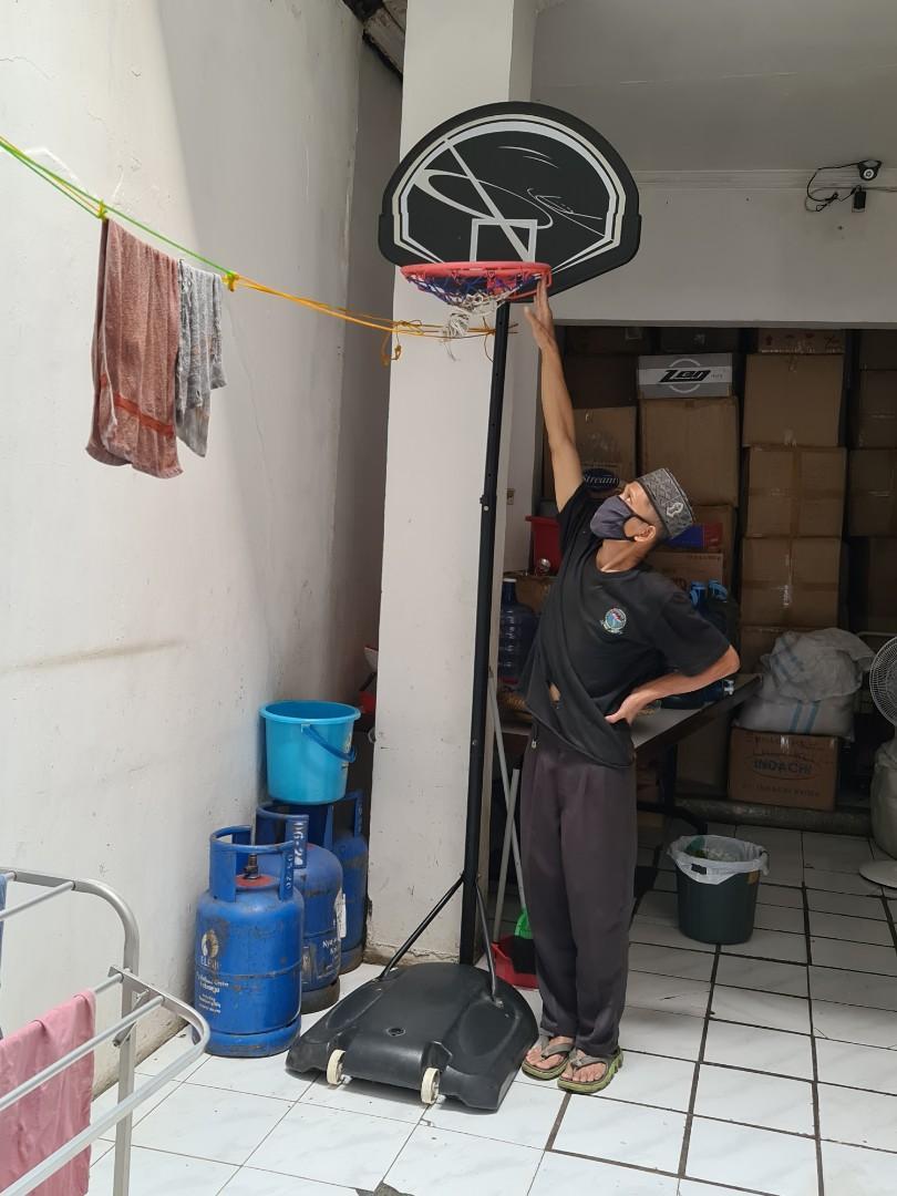 Ring Tiang Basket Anak Ada Roda Dudukannya diisi air Ex Anak Bandung