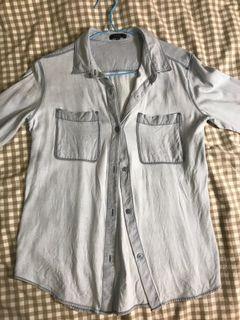 Aritzia blouse size small