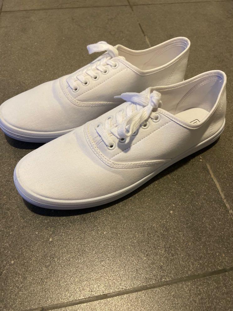 white canvas shoes, Men's Fashion