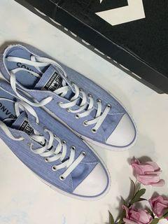 Converse女款帆布鞋us8.5=25cm
