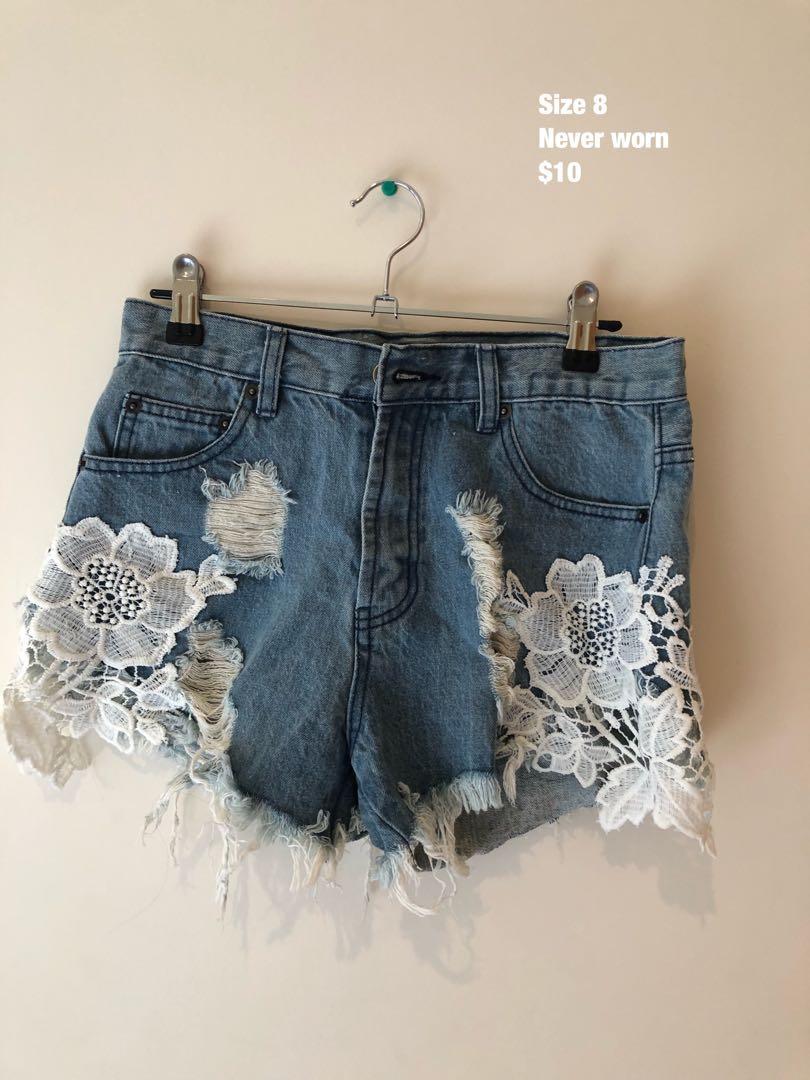 Lace denim short
