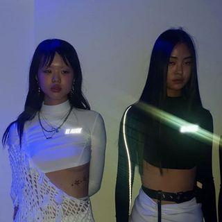 Reflective Super Cropped Long Sleeve Tops with thumb holes