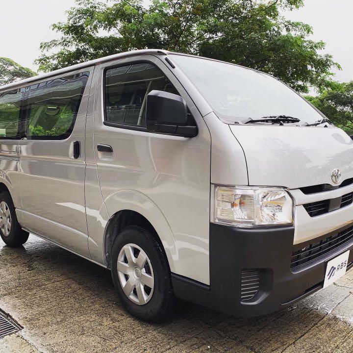 Toyota Hiace 2.8L 5dr Auto