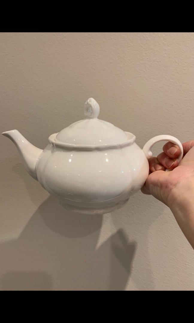 Two small teapots brand new never used
