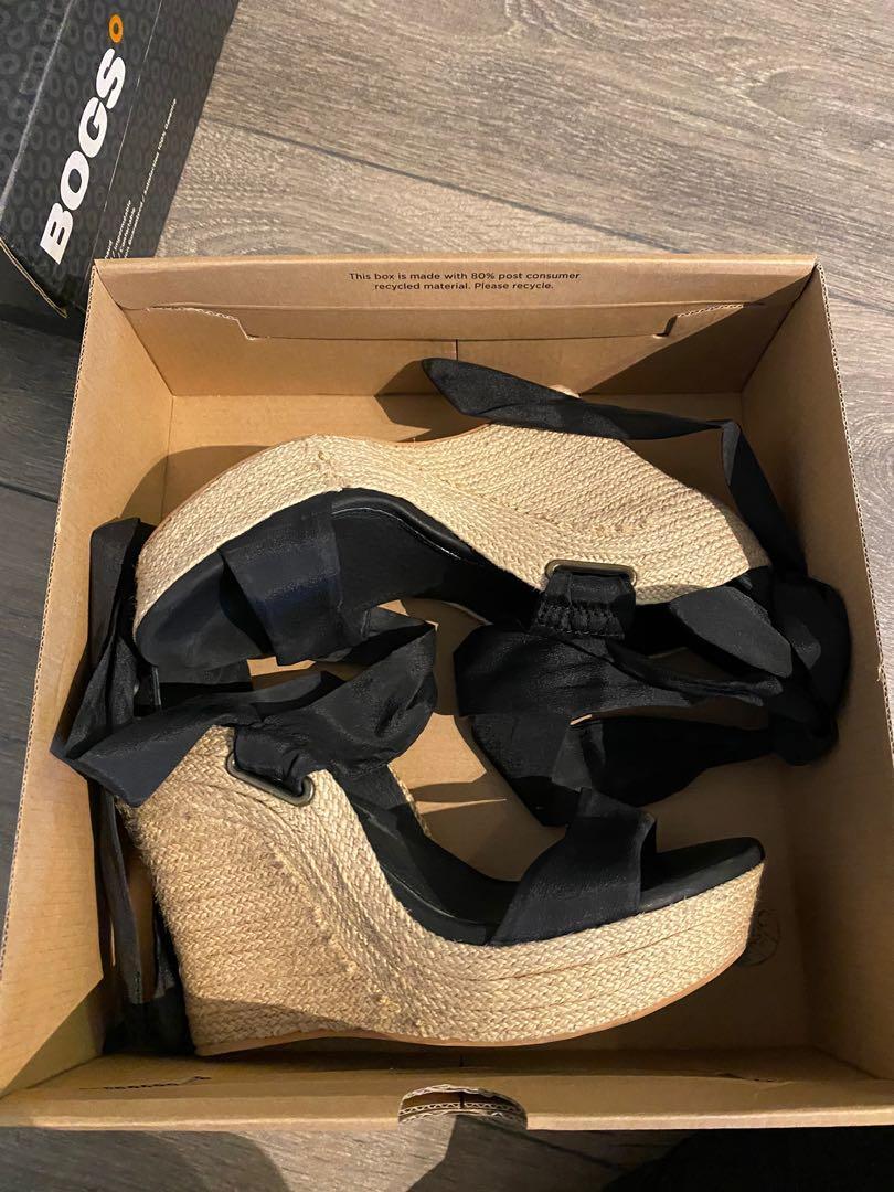 UGG Heels 5.5