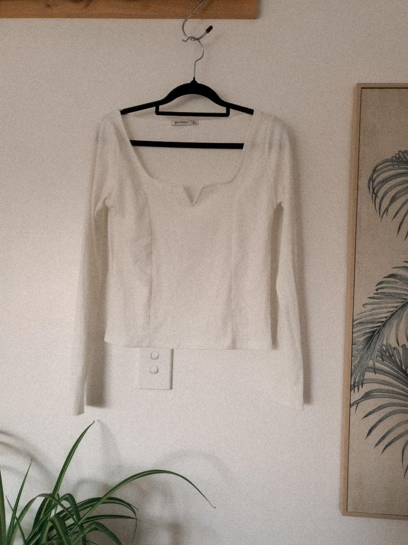 White square neck long sleeve