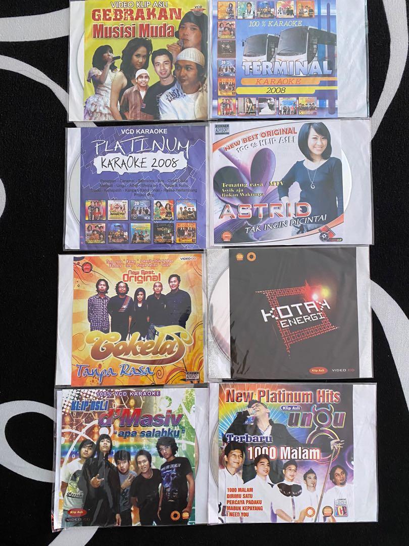 8 CD & DVD