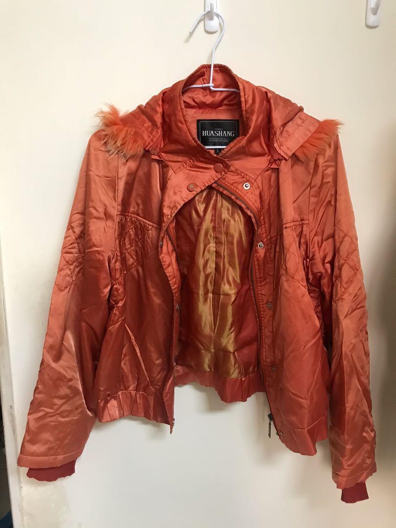 橘色專櫃保暖外套