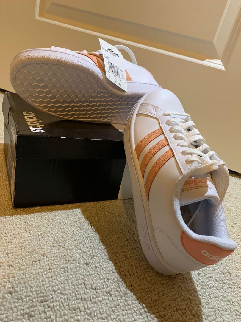 Adidas Grand Court size 7