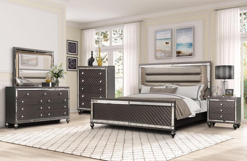 Brand new in box 6 pcs queen/king bedroom set