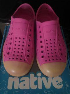 native samba pink shoes for girls, glow-in-the-dark JEFFERSON C11