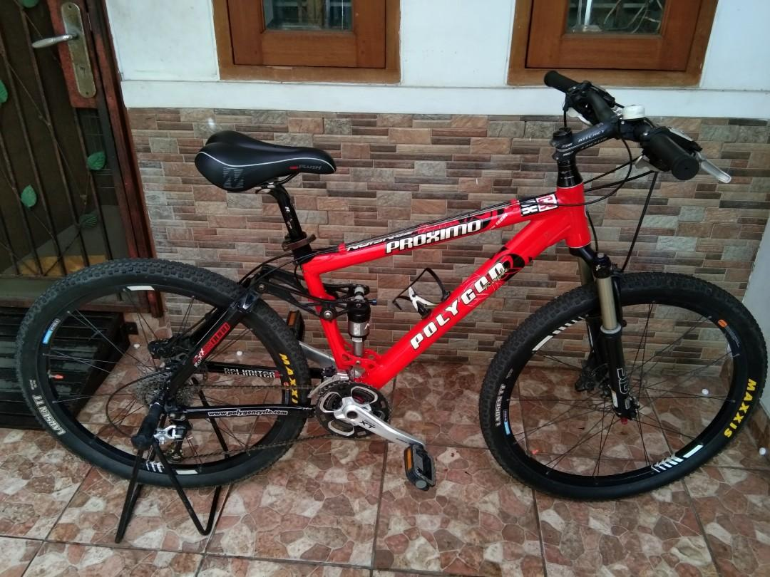Preloved Polygon Proximo full XT MTB XC Bike