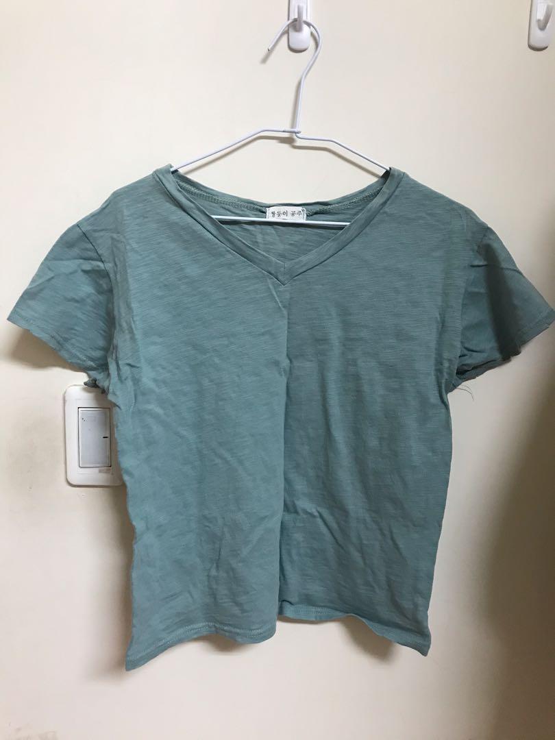 韓版V領湖水綠短袖T恤 #1010  #換季