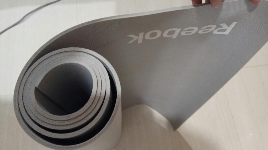 Yoga mat reebok alas olahraga matras matt