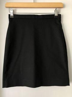 Aritzia Babaton Black Mini office Skirt