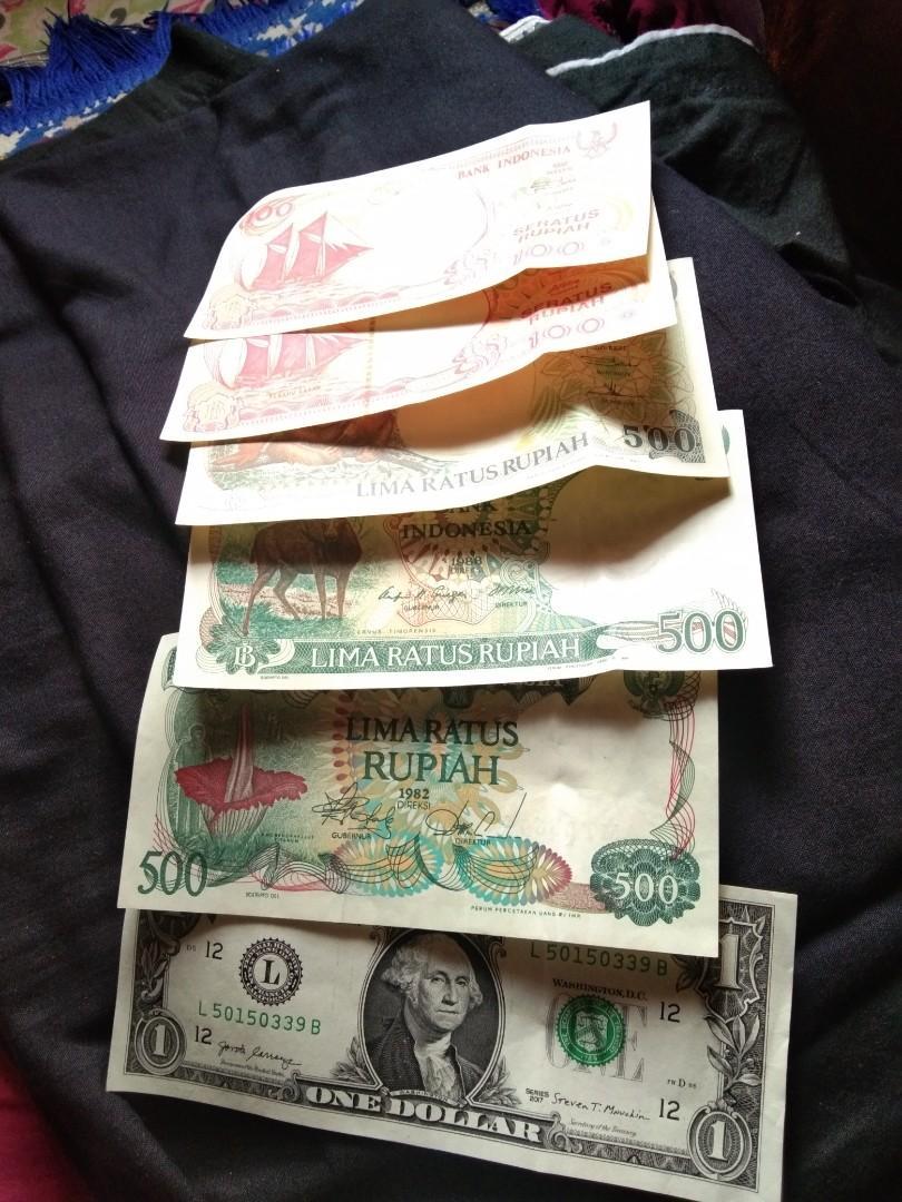 Di jual z sederatan uang lama....silhkan yang suka koleksi barang barang antik hubungi nmer 088224830782