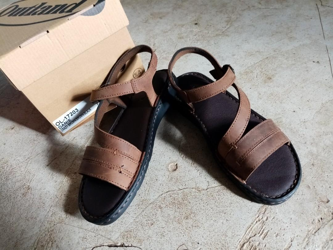Leather women's sandals - brand new, Women's Fashion, Shoes, Flats & Sandals  on Carousell
