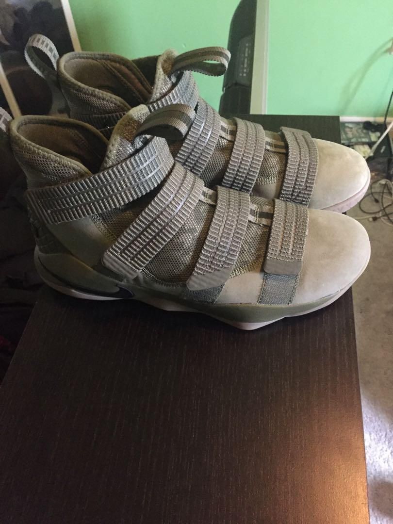 Lebron 11 soldiers size 9