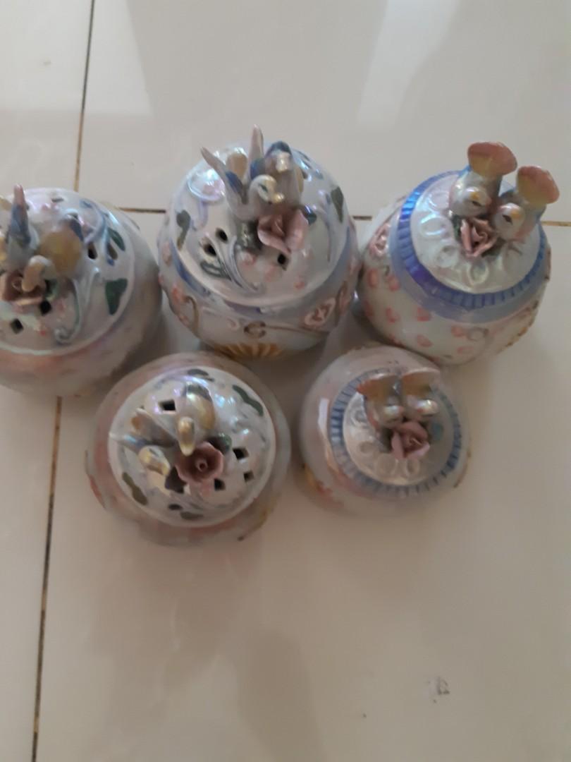 Pajangan porselen