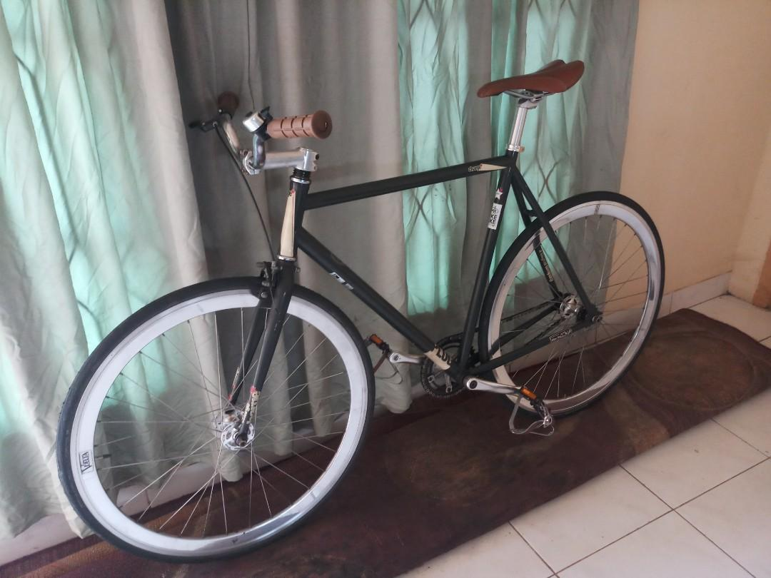 Sepeda fixie bukan roadbike