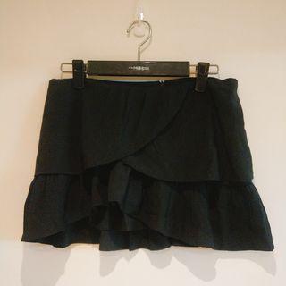 正韓波浪層次設計感短裙(黑)#WATER