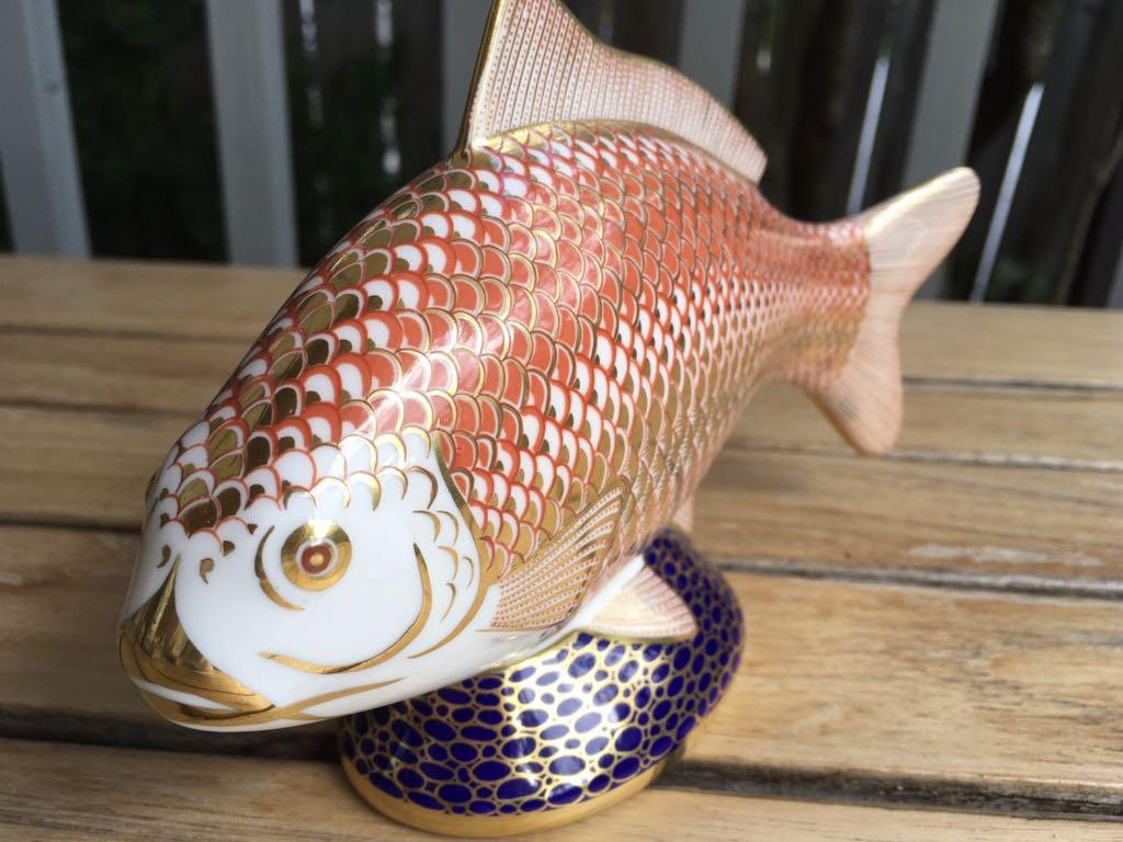 ⭐ NEW CONDITION!!! VINTAGE Crown Derby Imari porcelain hand enameled koi fish with 22k gold.