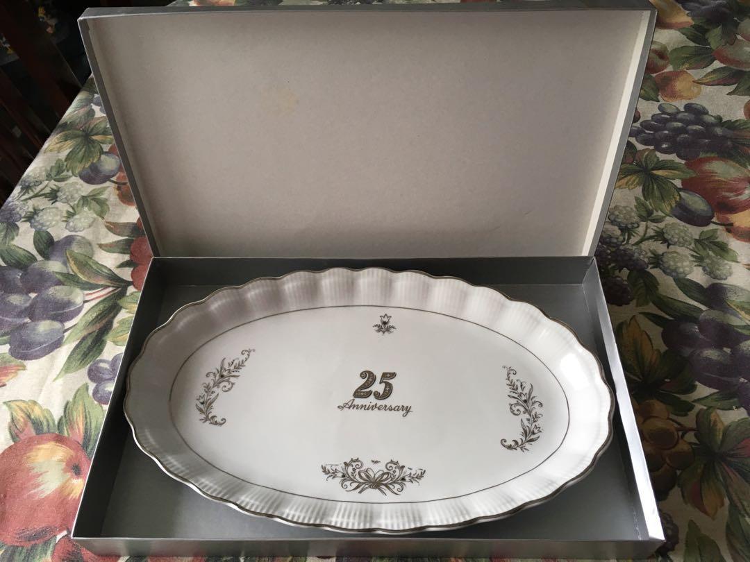 Happy 25 anniversary platter with box