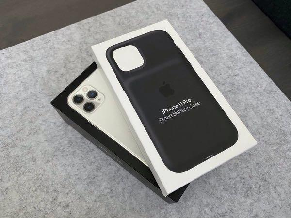 Iphone 11 pro 64gb  unlocked + smart battery case-like new