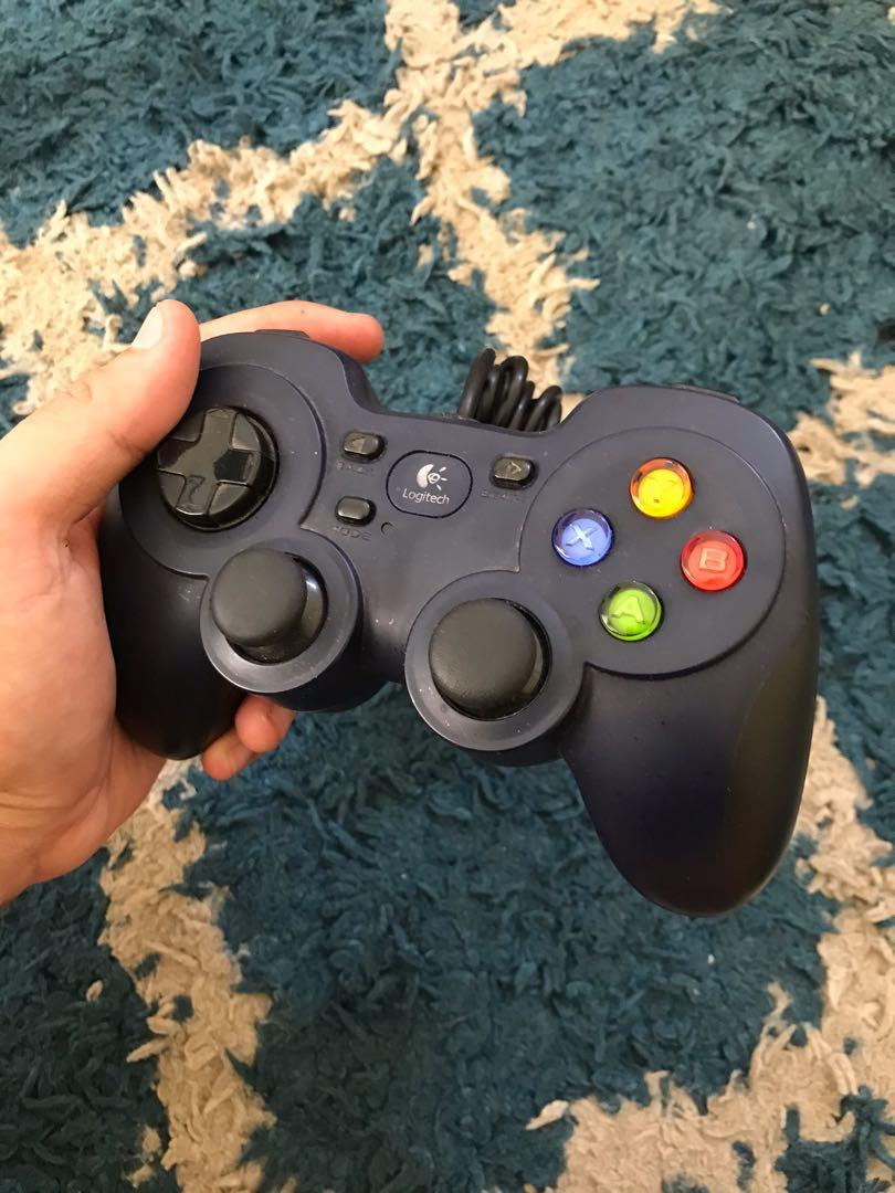 Logitech Gamepad F310 USB PC Joystick