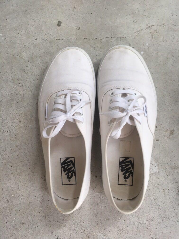 Vans true white size US 9, Men's