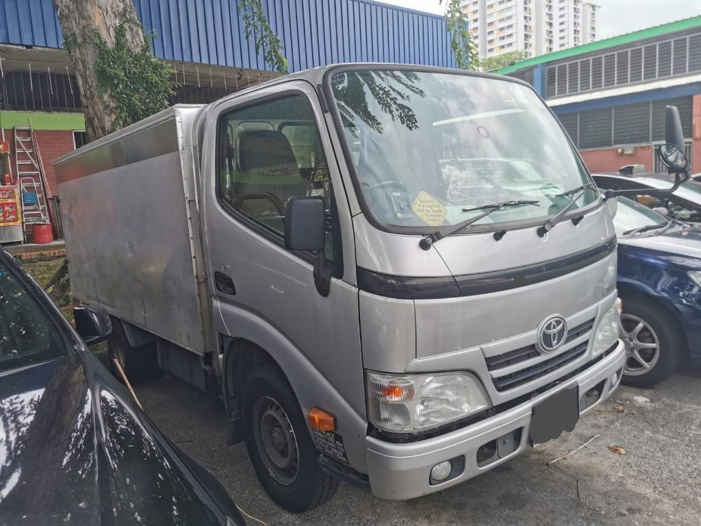 Commercial vehicle for rent
