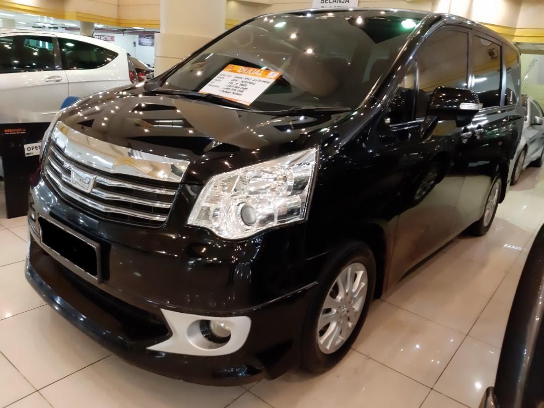 Dijual Nego th.2015 Toyota Nav1 2.0 V Limited automatic.Sudah Ada Kamera Mundur Bawaan,KEYLESS,Elektrik Sliding DOOR.Unit Tangan Pertama dari BARU.Nopol B-Dki(ganjil).cash/credit harga sama aja.Nego