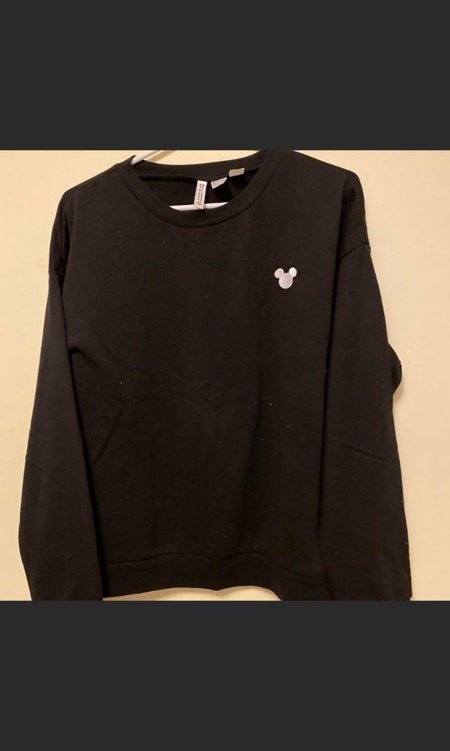 H&M x Disney embroidery Mickey Mouse Black Sweater L