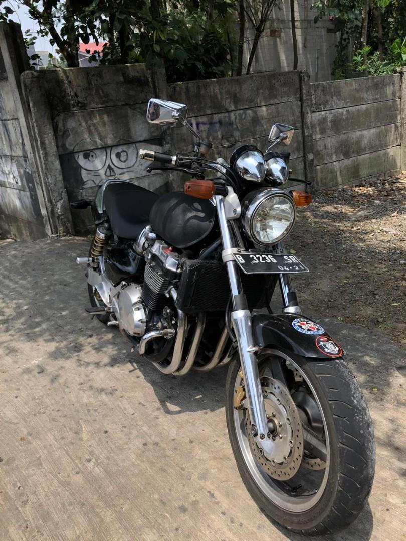 HONDA X4 1300 CC
