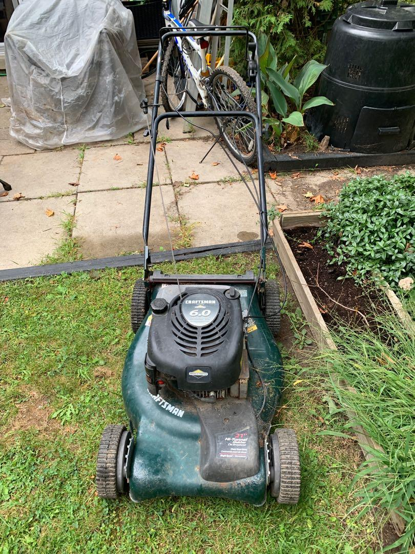 Lawnmower with front wheel drive